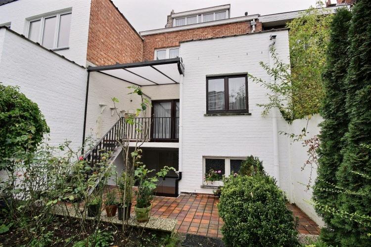 Maison bel tage de 4 chambres avec jardin vendre 1090 jette - Garage millenium ville la grand ...
